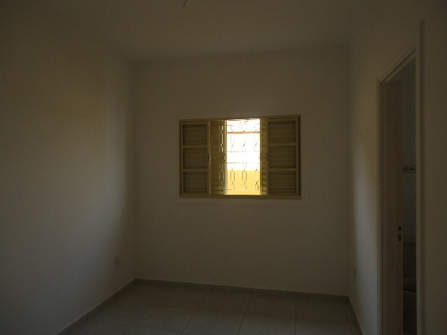 Casa / Sobrado à Venda - Parque Jambeiro