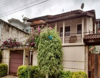 Alugar, casa em condomínio no bairro jardim shangri-la na cidade de atibaia-sp