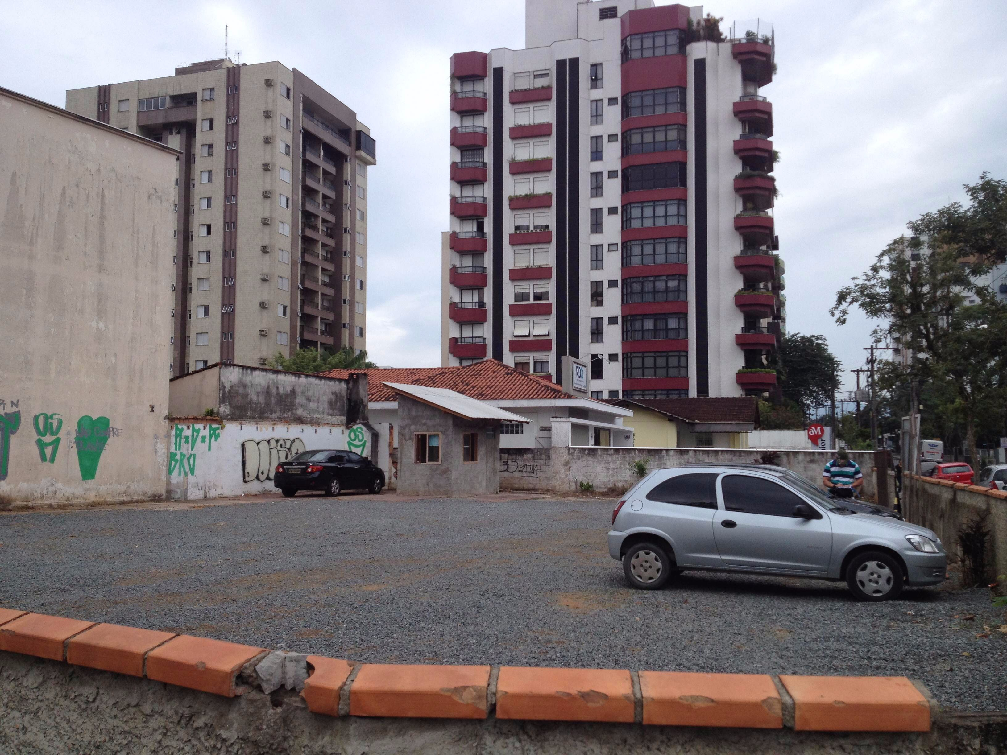comprar ou alugar terreno no bairro centro na cidade de joinville-sc