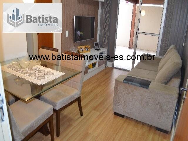 Sala em piso laminado de madeira