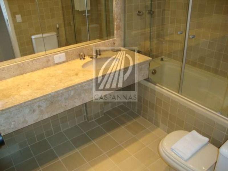 8 suite e banheira