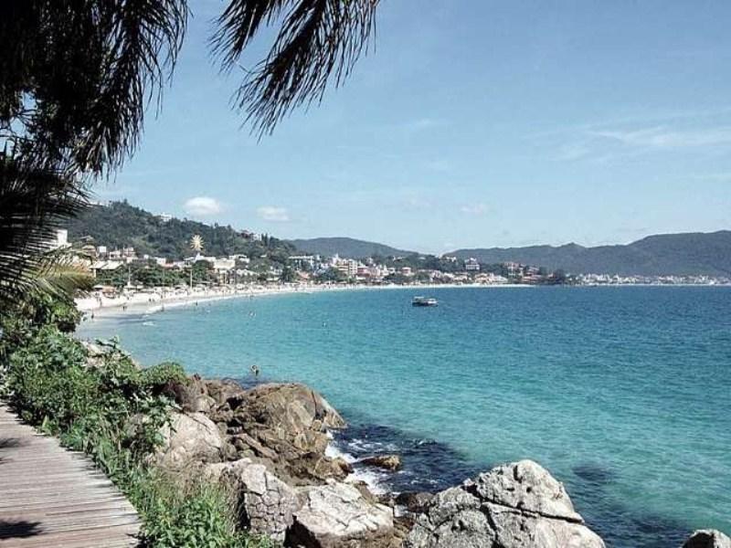 13 - Praia de Bombinhas