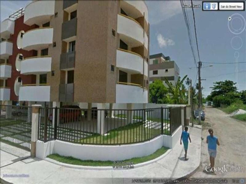 Vista do condominio e a rua da