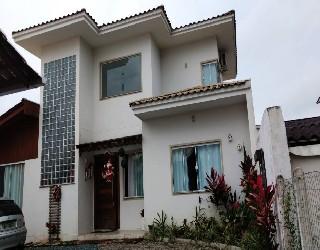 comprar ou alugar casa no bairro centro na cidade de balneario piçarras-sc