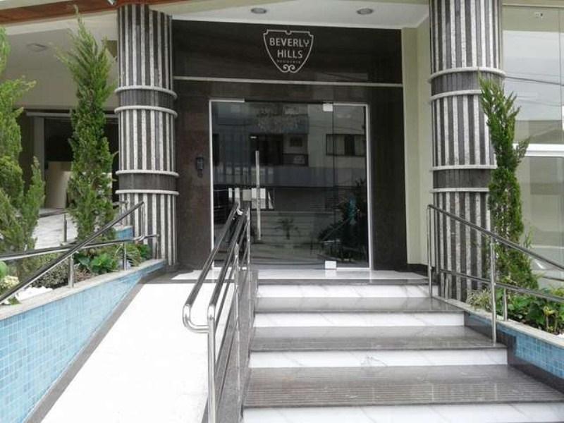 Beverly Hills 205 34
