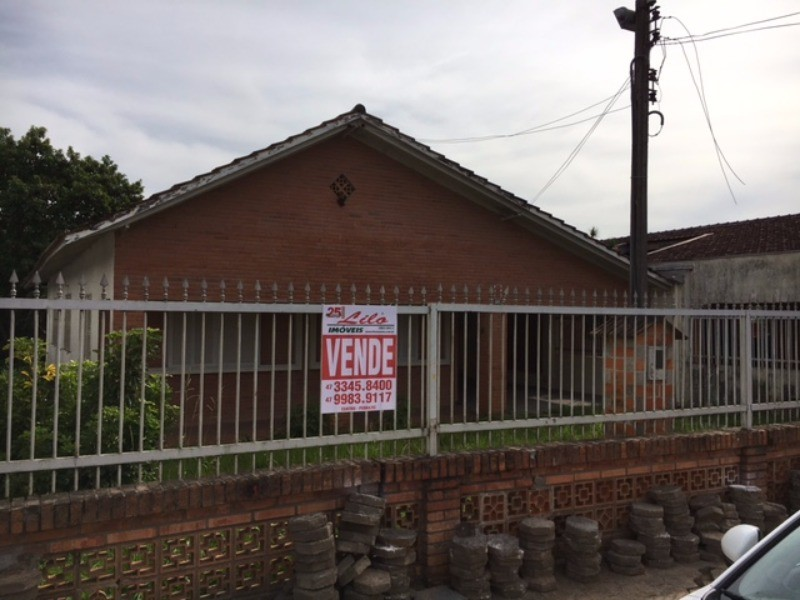 comprar ou alugar casa no bairro centro na cidade de balneario picarras-sc