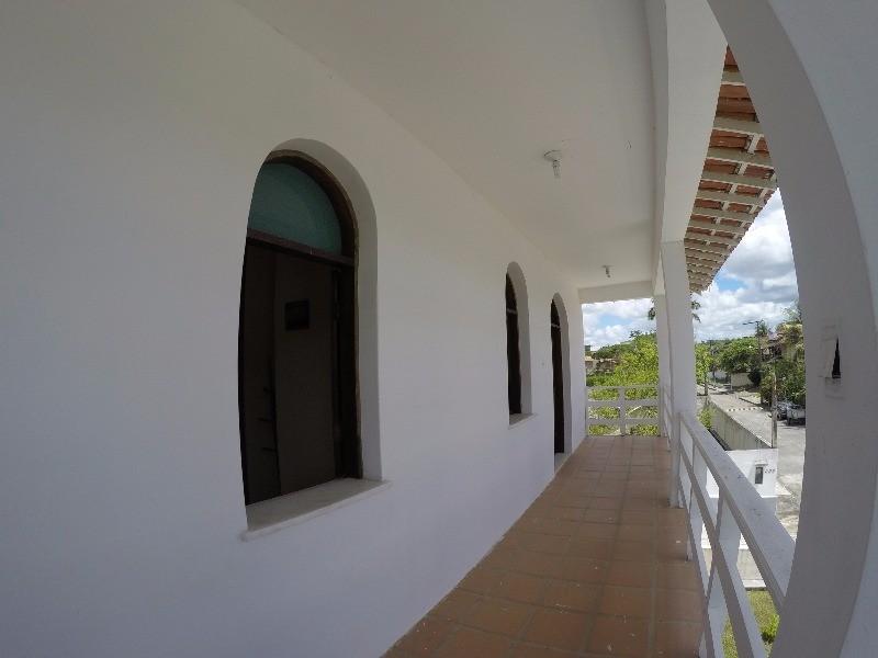 varanda do primeiro andar