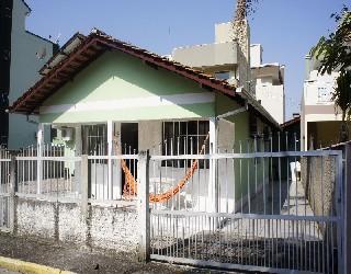 Alugar, casa no bairro centro na cidade de bombinhas-sc