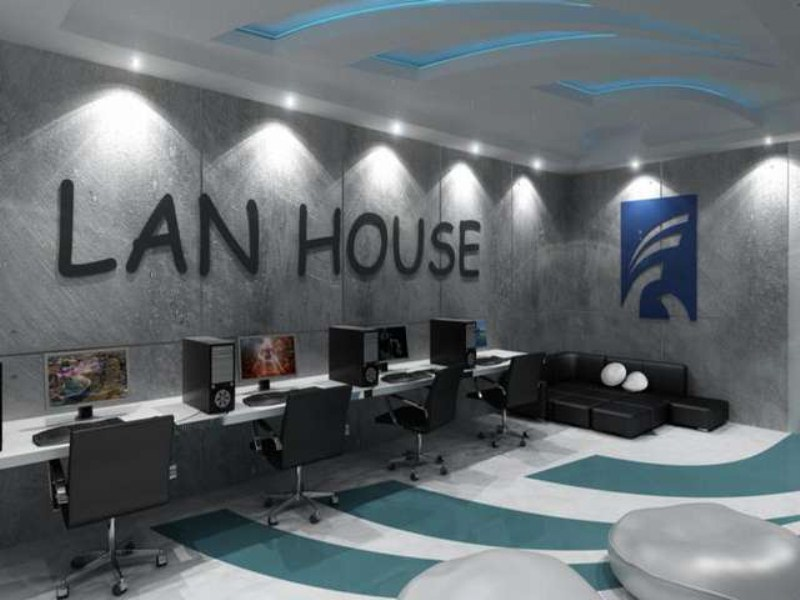 8 LAN HOUSE