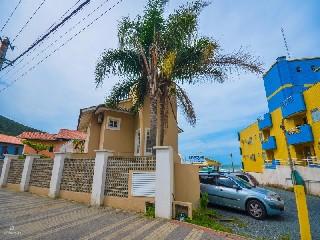 undefined, casa no bairro bombas na cidade de bombinhas-sc