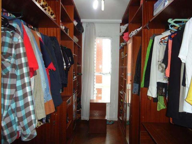 closet suite 01