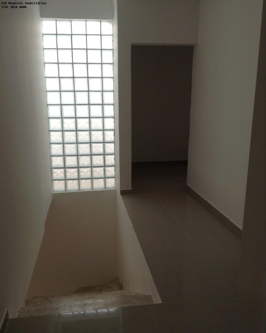 escada e piso superior