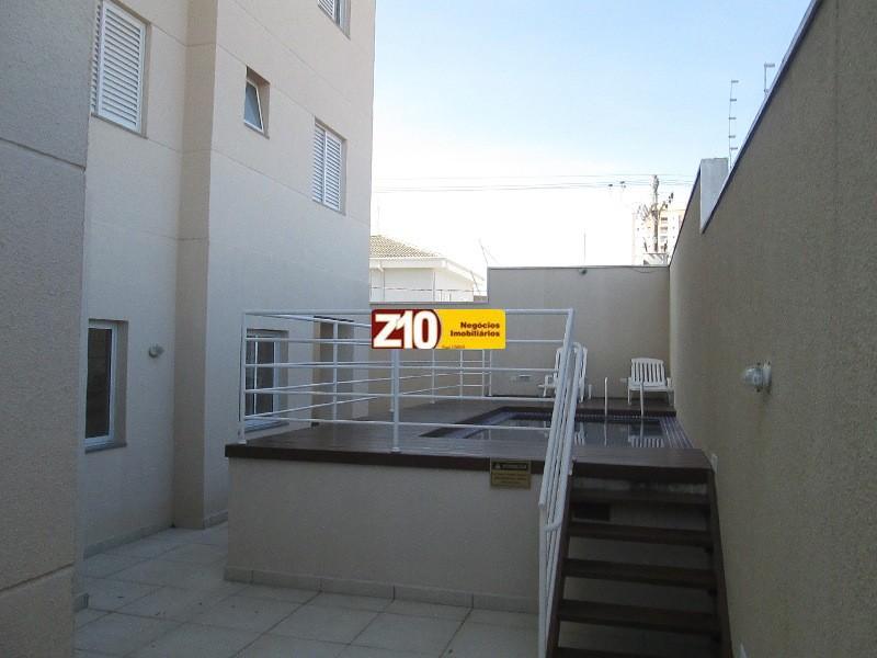 Deck piscina do condomínio