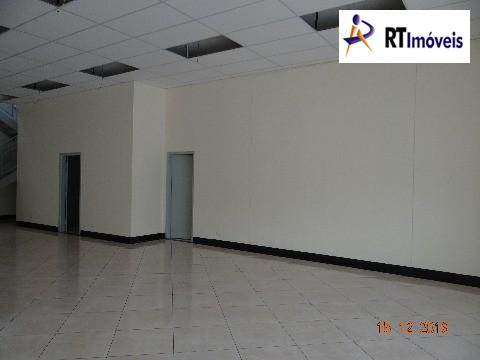 Salão principal (visão sala e despensa)