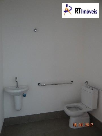 Interior da sala 4 - banheiro para deficiente