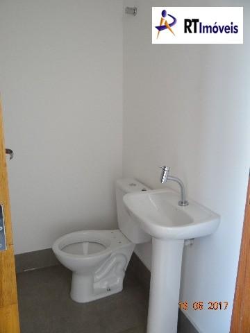 Interior sala 5 - banheiro piso superior