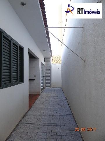 EDÍCULA E ÁREA DE SERVIÇO