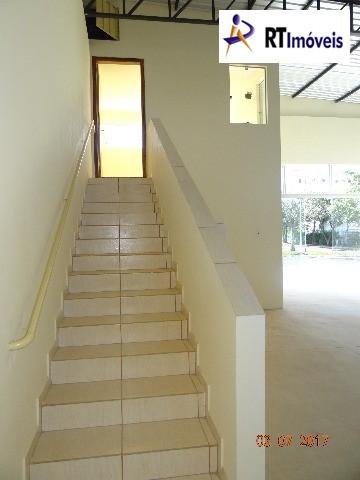 Escada acesso escritório