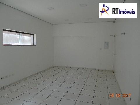Sala grande com cozinha