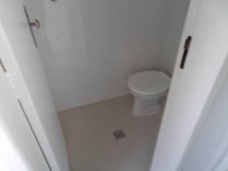 banheiro da d.c.e
